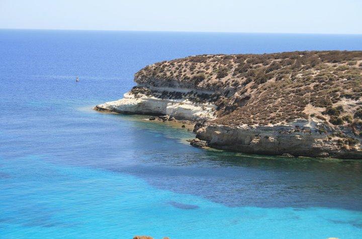 Il mare di lampedusa villette voli lampedusa volo for Soggiorno lampedusa